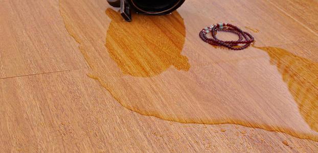 成都实木地板厂家教你,家里木地板泡水了怎么补救?